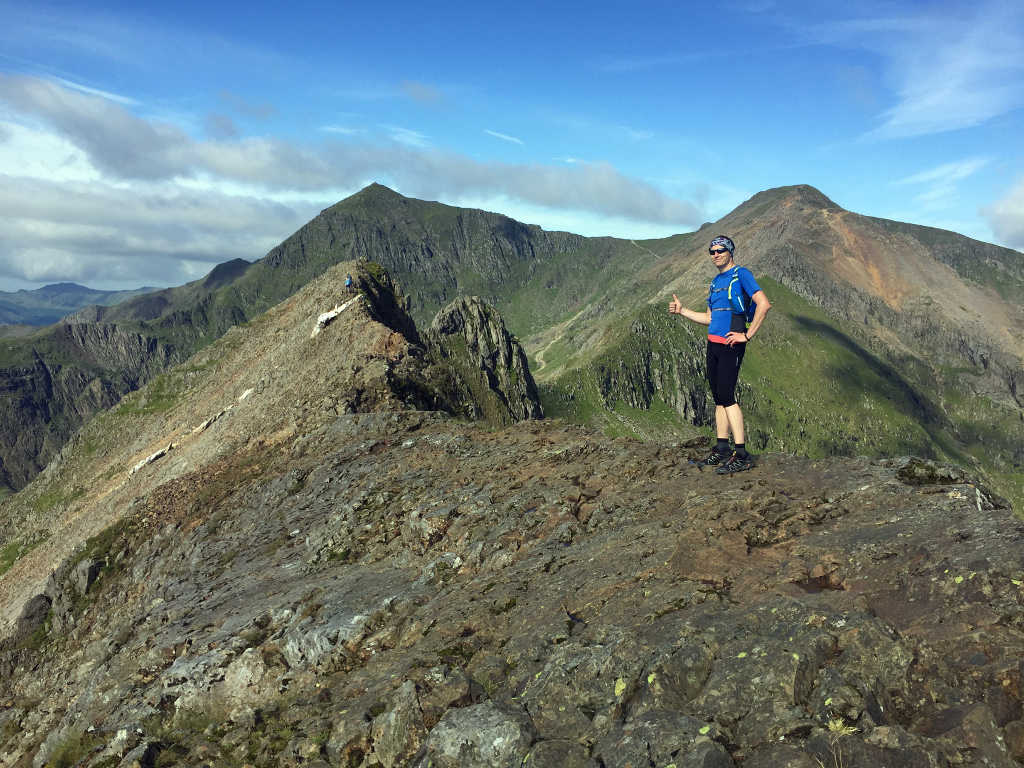 Nie wiem czy to oznacza, że wszystko jest ok czy może że mam się pośpieszyć bo kolejne dwa szczyty czekają. Cudna panorama na Snowdon i Garned Ugain.